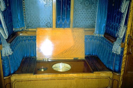 Queen Victoria's throne in railway carriage, York-XL