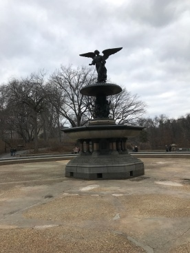 fountain-with-angel