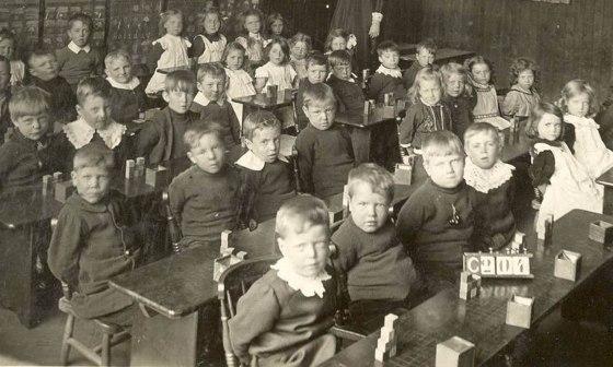 classroom-19th-century